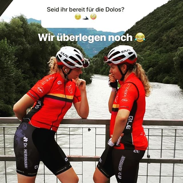 Teamspirit is excellent.jpg__Photo from yesterdays training.jpg Thanks _jenny.jpghfm97 and  _mxren.jpggbl for this wonderful picture