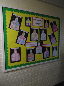 School Display Spring - Picture 2