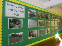 School Display Summer - Picture 1