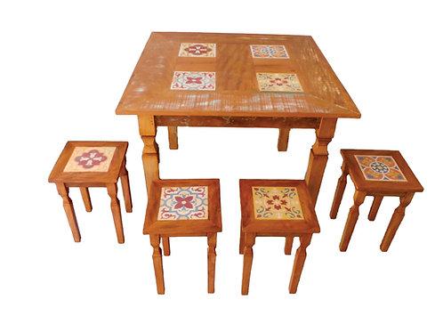 Mesa com Azulejo Hidráulico