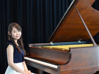 ピアニストの岡安咲耶さんが埼玉ピアノショールームに来店されました。