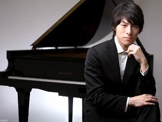 ピアニストの安並貴史さんが埼玉ピアノショールームに来店されました。