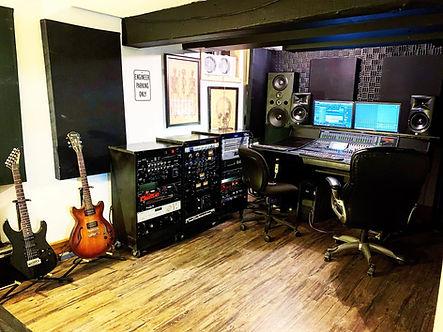studio omni.jpg