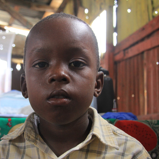 Boy who waited by himself all day in the clinic