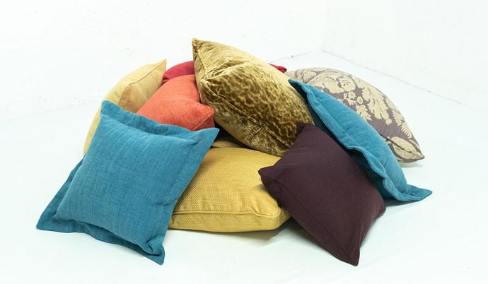 Sonnaz-scatter-cushions.jpg