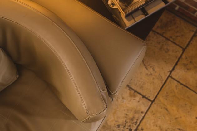 sonnaz-leather-sofa-4.jpg