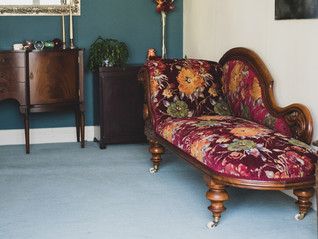 TRADITIONAL FLORAL CHAISE LONGUE_1.jpg