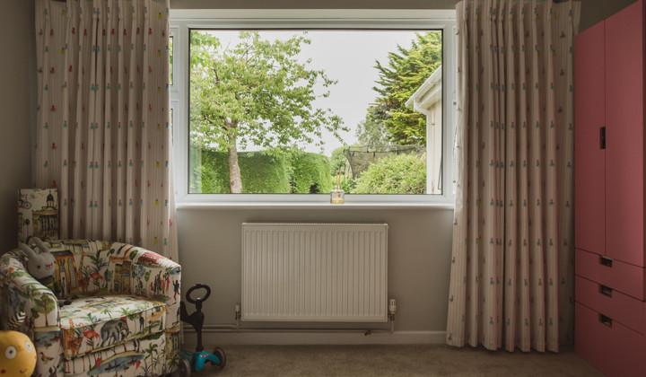 Modern Recover of Armchair and Curtains