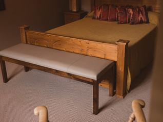 sonnaz-leather-stool-1.jpg