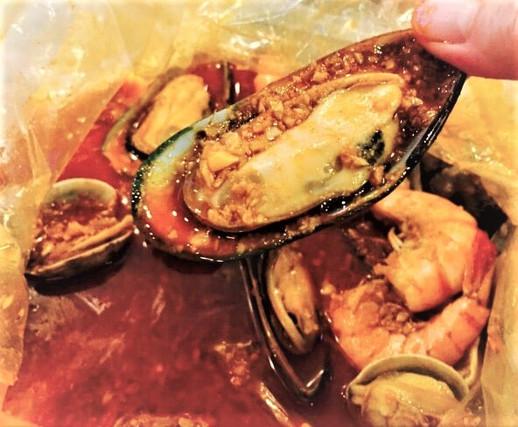 Mussels & Stinkin Sauce
