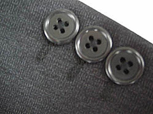 外れたボタンの付け直し、交換 袖ボタン