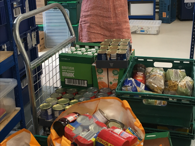 Local Buyers Club delivers vital supplies to Food Bank and repeats its campaign