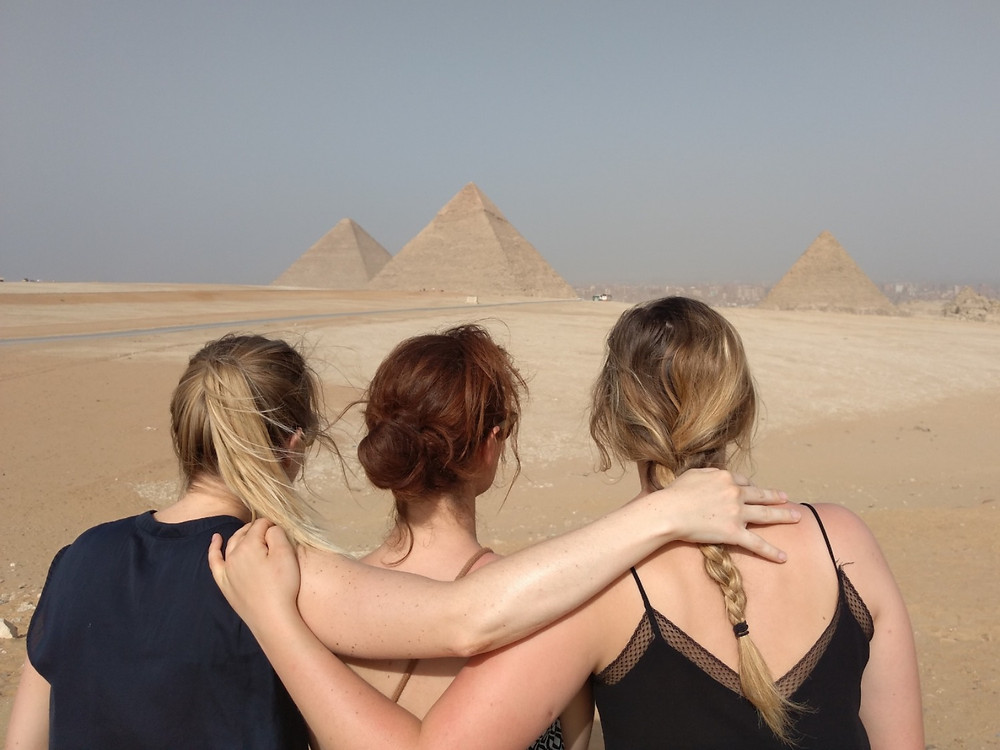 Girls on Travel