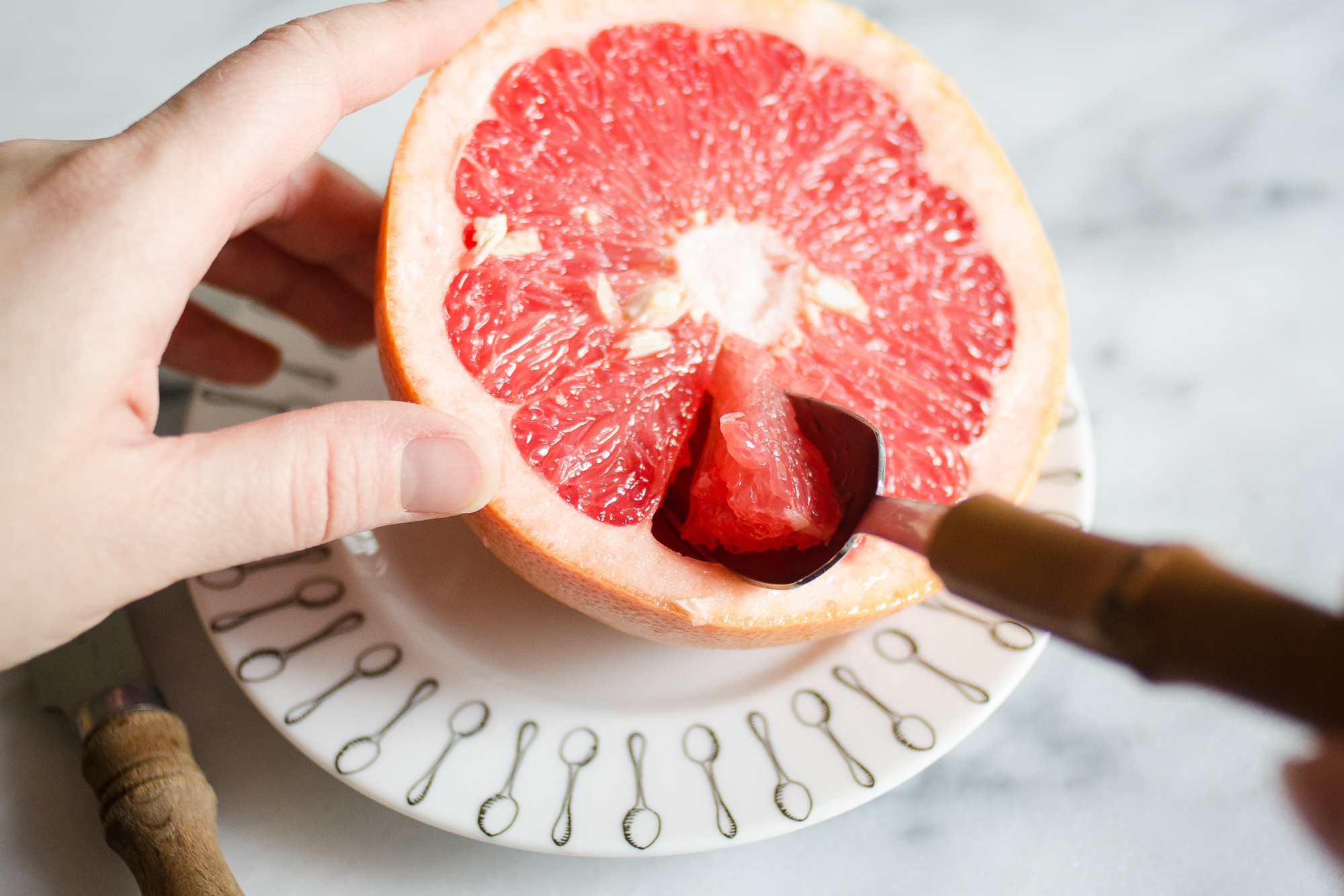 3-ways-to-slice-a-grapefruit-04
