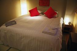 double black hotel room3