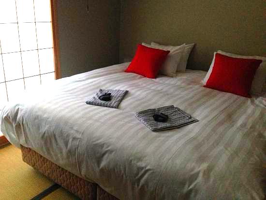 double black hotel room2