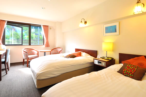 Yamano Hotel twinroom