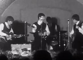 ב-22 באוגוסט 1962 הופיעו הביטלס בפעם הראשונה בטלוויזיה, במהלך הופעה במועדון הקאוורן
