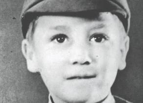 ב-9 באוקטובר 1940 נולד בליברפול ג'ון ווינסטון לנון