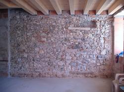 parete in pietra del living
