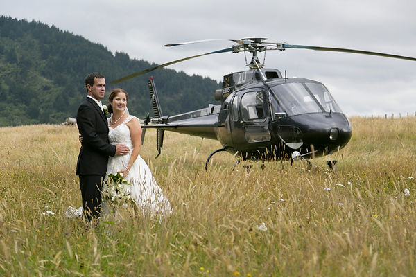 Wedding photos with a helicopter