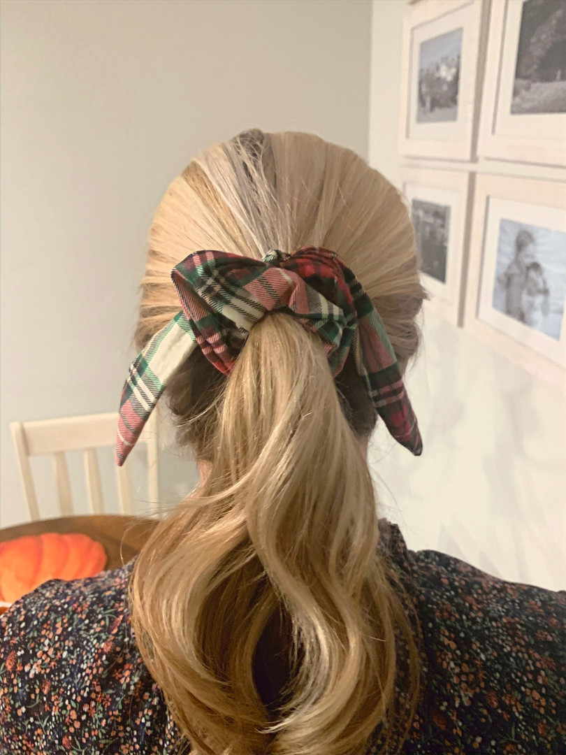 Scrunchie with tail