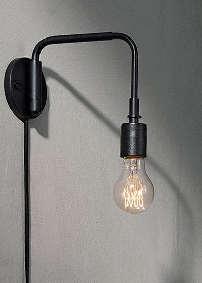 Staple Wall Lamp White / Black