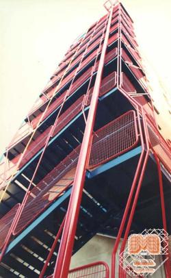 Escaleras de emergencia Hospital Bu