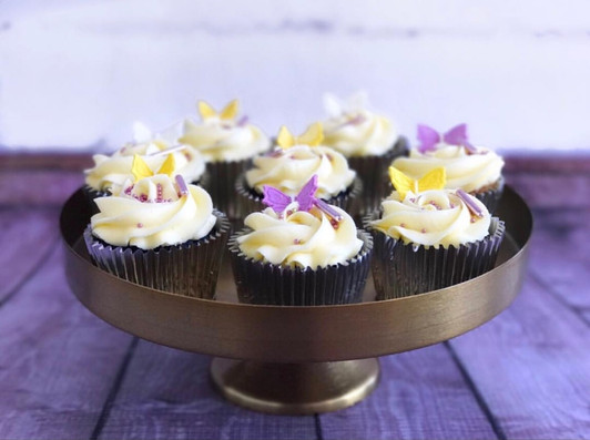 The Vanilla Rabbit Cup Cakes Floral
