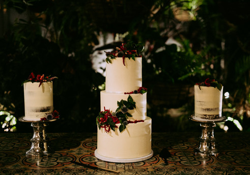 The Vanilla Rabbit Wedding Cake Casuarina Byron Tweed Plantation House 225.jpg