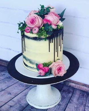 The Vanilla Rabbit Birthday Cake Floral