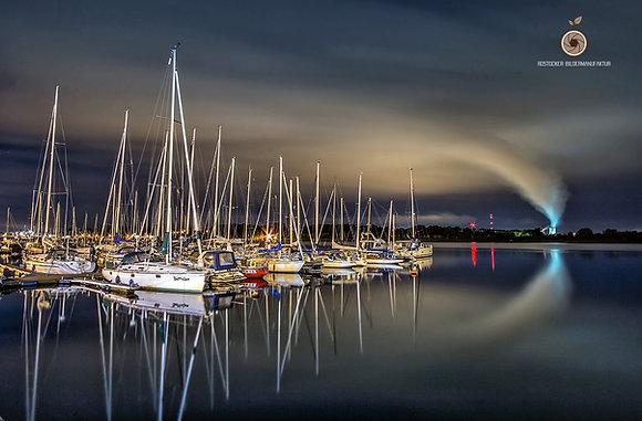 NR 5186 - DH HRO Stadthafen marina night