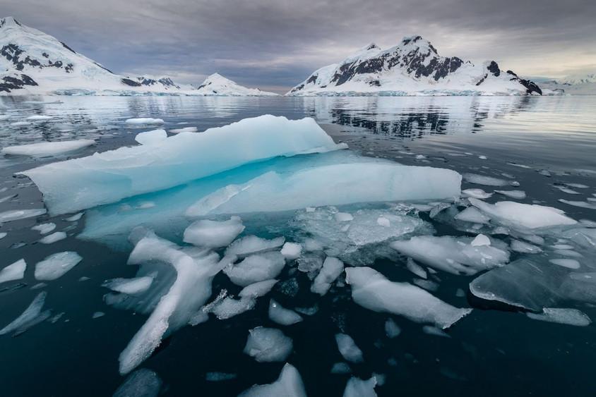 Paradis glacé by Marc Pelissier