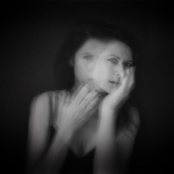 Etre ou paraître by Sandra broccolichi