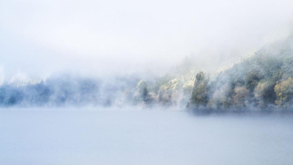 Brume sur le lac by Mo Le Roux