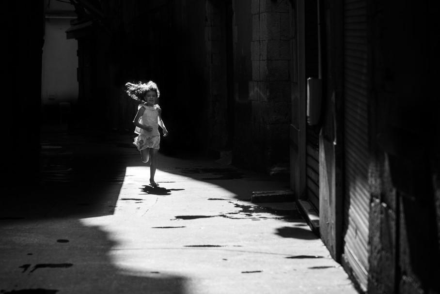 Jaillie de l'ombre by Serge Durand