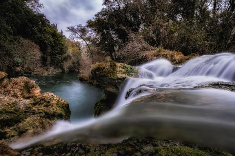 La cascade by Gerard Mathias