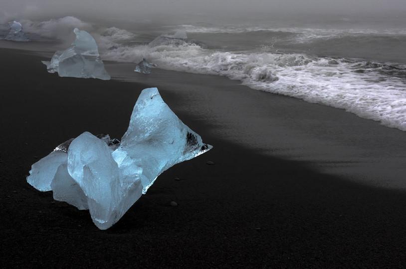 Islande by Eugenio Abruzzese
