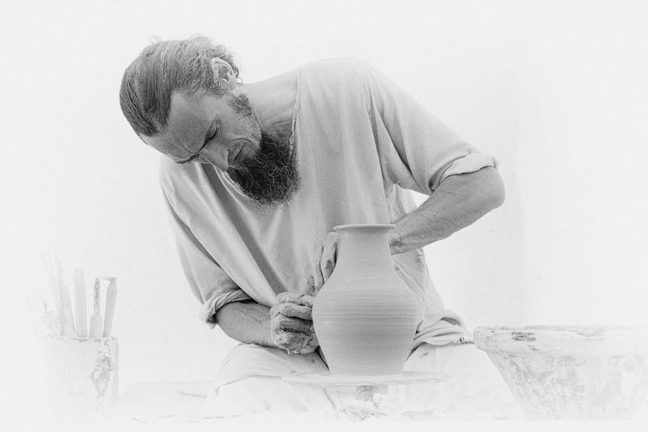 Potier à l'ouvrage by Maurice Zanella