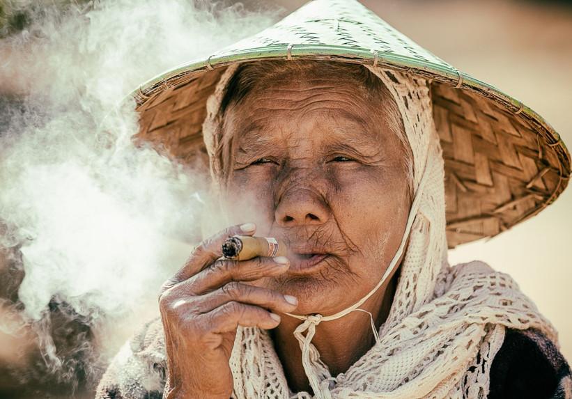 La fumeuse de chirot by Alain Le Roux