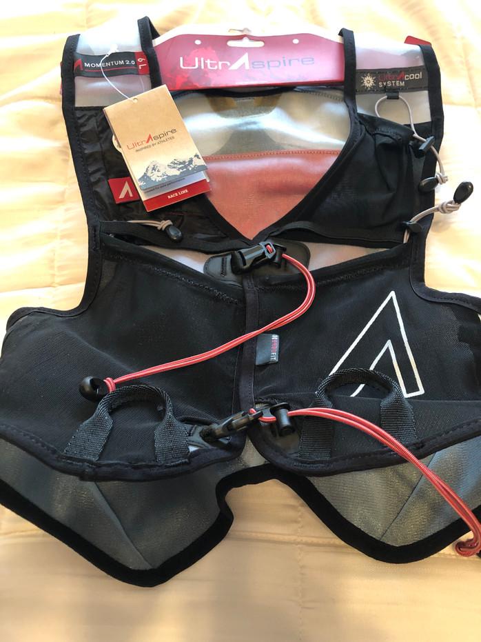 UltrAspire's Momentum packs ingenuity, comfort and fit