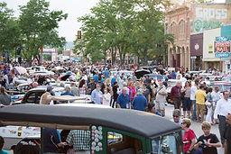 Huge crowd in Rapid City, S.D., enjoys t