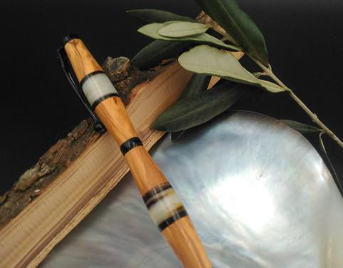 stylo olivier et nacre