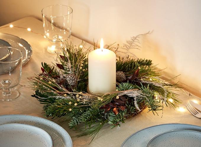 J&F_Christmas_Wreath02070 (Medium).jpg
