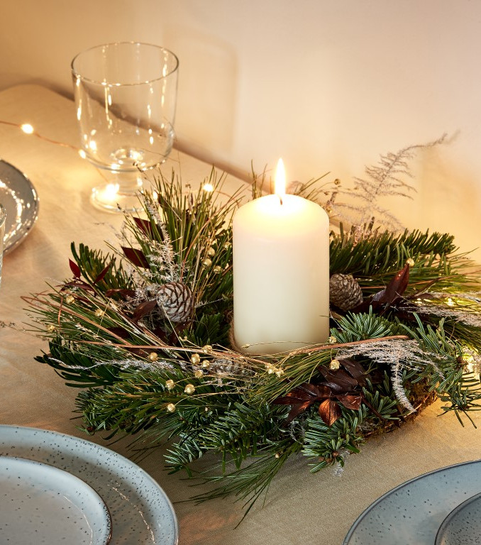 J&F_Christmas_Wreath02070 1 (Medium).jpg