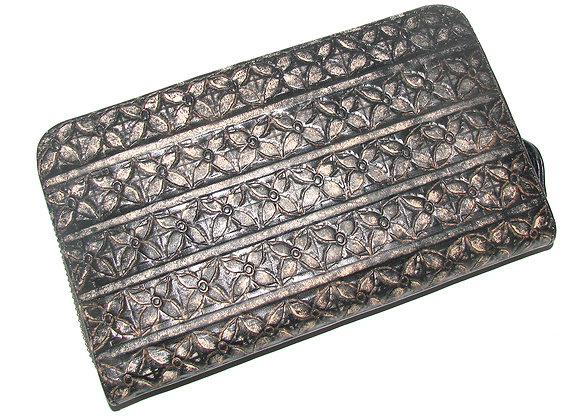 Leather Wallet with vintage etched pattern