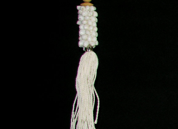 Keyring, Shell cluster with string tassel.