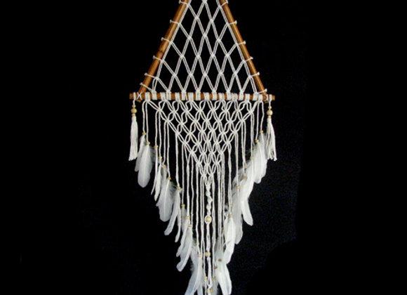 Dreamcatcher macrame in bamboo triangle