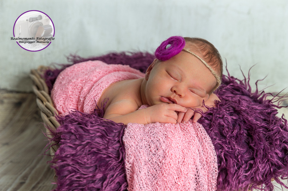 Newborn RealMomants Fotografie