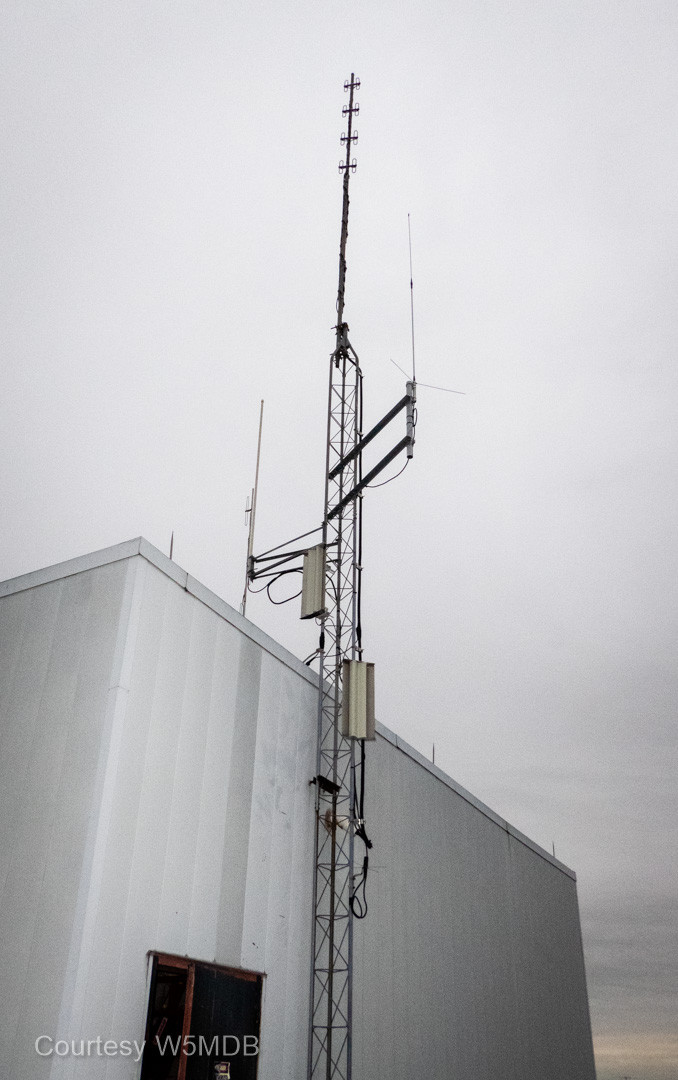 East tower with the 147.580 Winlink gateway and two AREDN nodes installed.